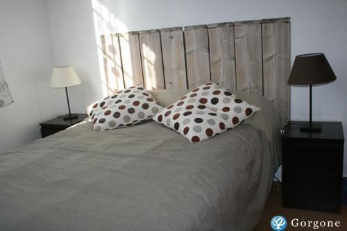 location la rochelle appartement de vacances pour 2 personnes avec jardin 10 minutes de la. Black Bedroom Furniture Sets. Home Design Ideas