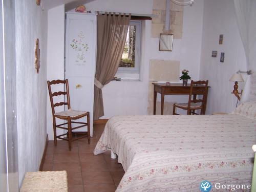 Chambre d 39 h tes la rochelle photos de le clos des for Location chambre la rochelle