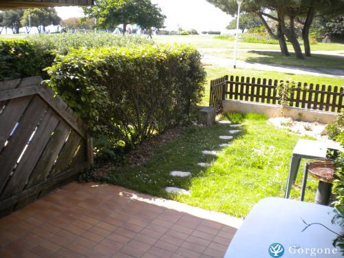 Location la rochelle t2 en front de mer avec jardin pour 4 for Jardin 35m2
