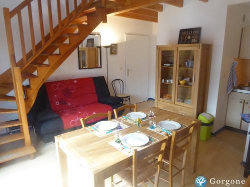 Location la rochelle appartement plein de charme entre la plage et le port - Location studio meuble la rochelle ...