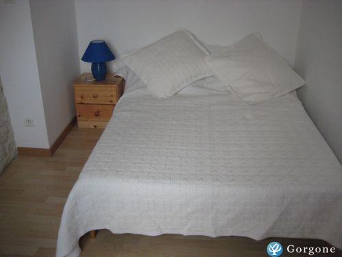 location la rochelle loue studio meubl ch telaillon. Black Bedroom Furniture Sets. Home Design Ideas