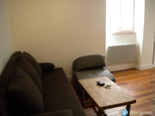 location la rochelle photos de t2 meubl centre ville la. Black Bedroom Furniture Sets. Home Design Ideas